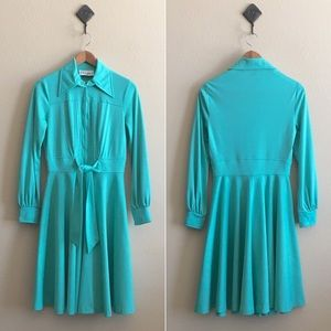 '70s / Caribbean Green Wrap Dress